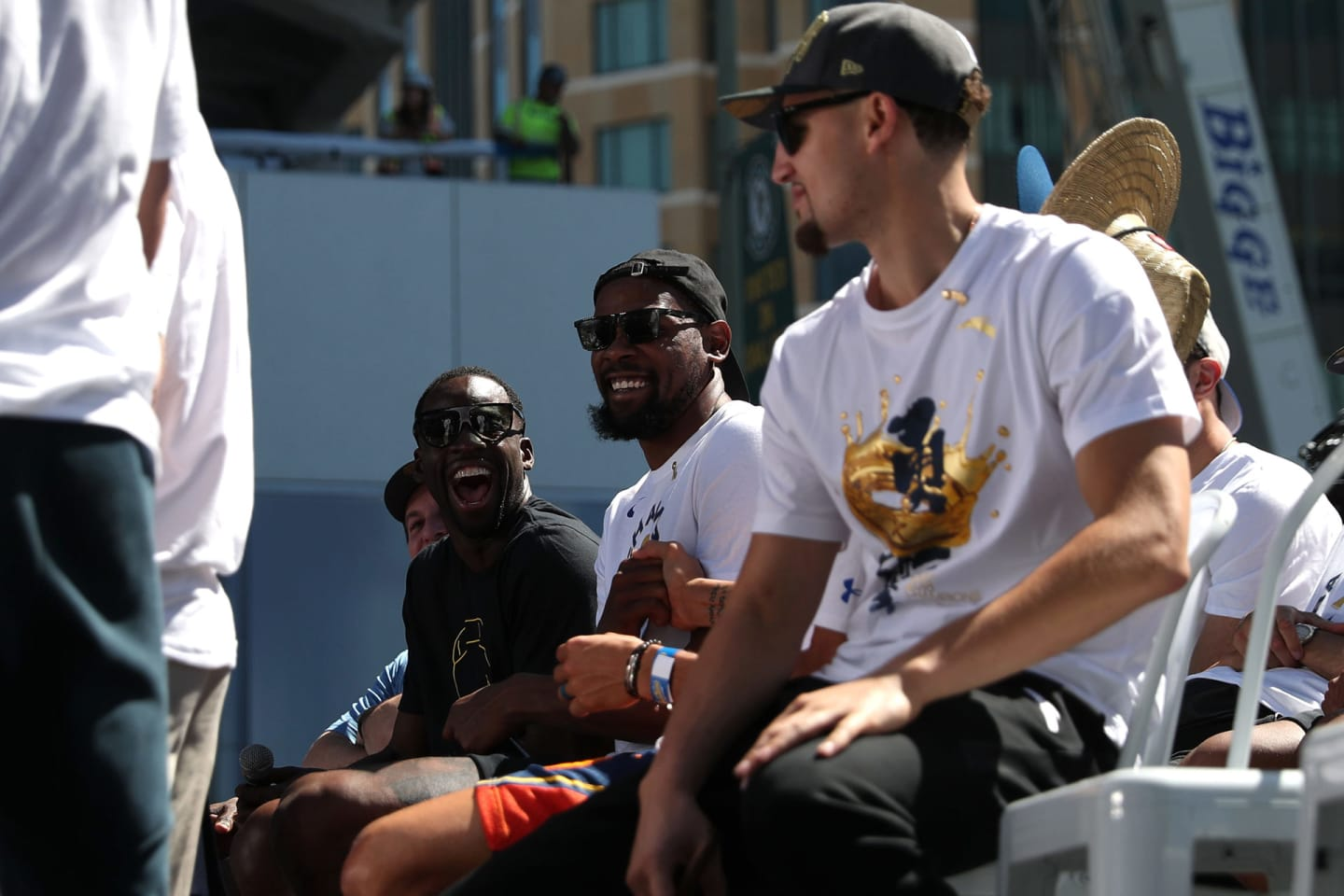 Bay Bash - By The Players' TribuneAll-Access: Golden State Warriors' 2018 Parade - 웹