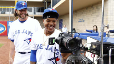 A Blue Jay Takes Over Photo Day