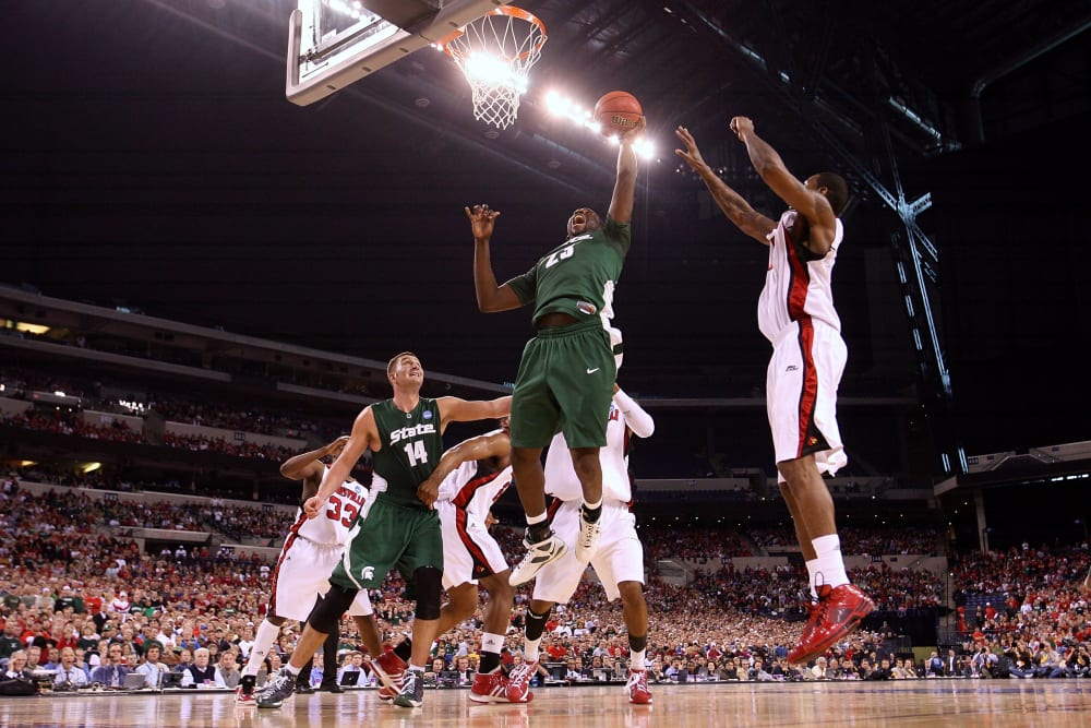 NCAA Elite 8: Michigan State Spartans v Louisville Cardinals