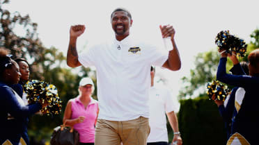 Real Fan Life: Golfing with Jalen Rose