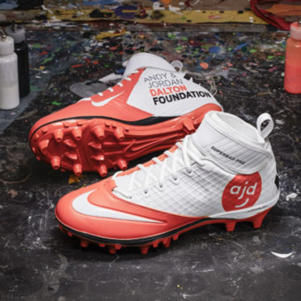nike_nfl_week13_andy_dalton_pair_600_600