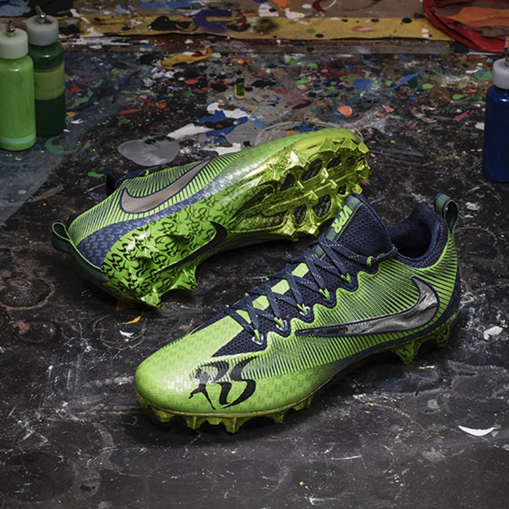 nike_nfl_week13_richard_sherman_pair_600_600