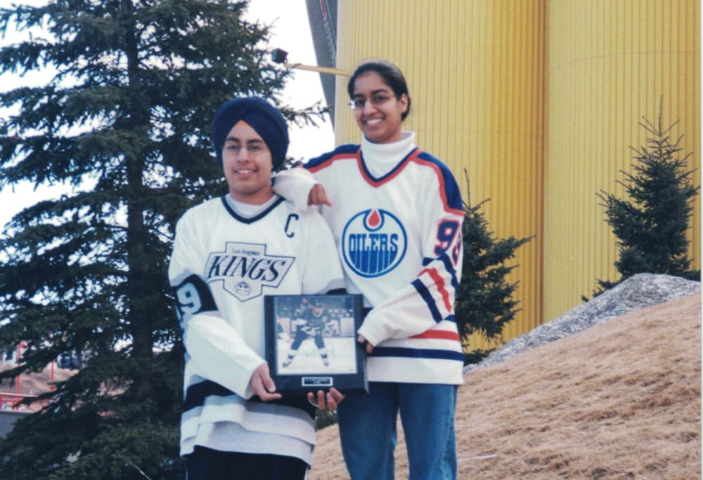 with-gurdeep-at-gretzkys-last-ever-game-in-yyc